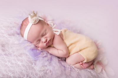 cute cute - beige kroontje met Swarovski stenen
