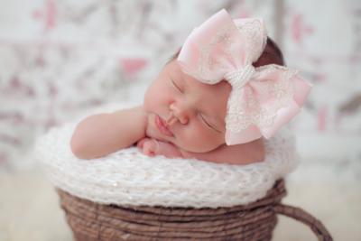 Cute Cute - Roze strik met gouden kant